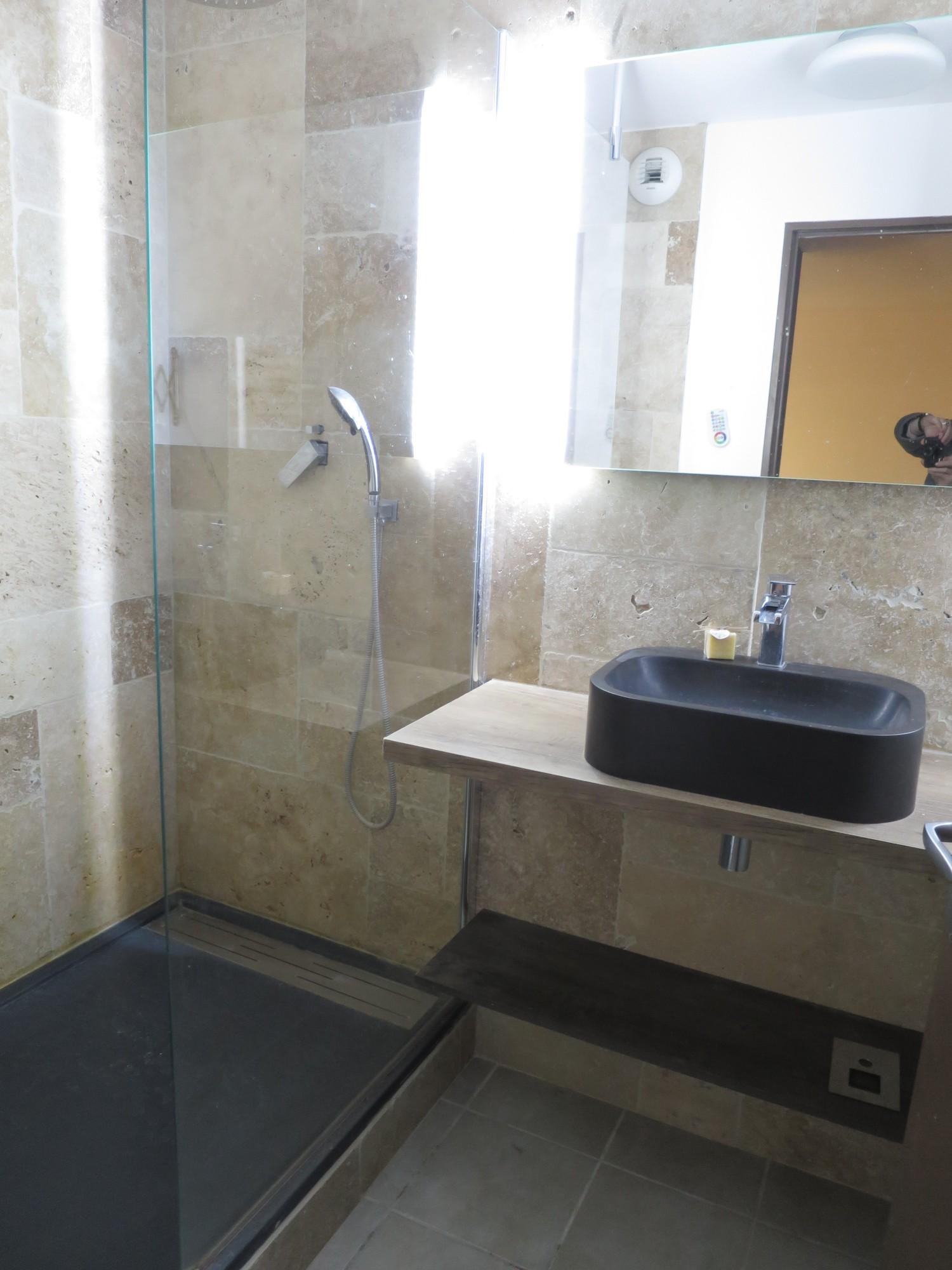 Appartement T2 Avec Parking Dans Residence Securisee Entierement